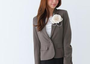 入学式 母親 スーツ カーキ