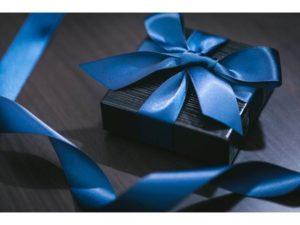 ブルーのリボン プレゼント