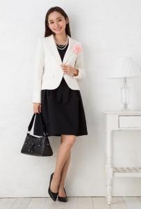 入学式 ママ 服装 パールのネックレス コサージュ