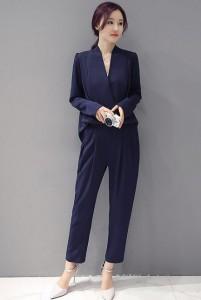 入学式 ママ 服装 紺のパンツスタイル