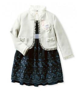 ファミリア 女の子 服装