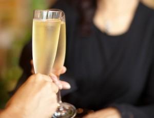 シャンパン 乾杯 ディナー