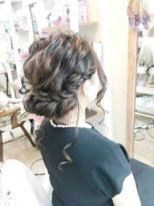 ロング 髪型 三編みや編込みを使ったアップスタイル