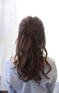 女性 ロング 髪型 ハーフアップ