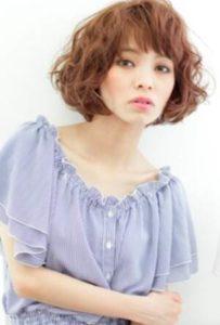 ショート 髪型 女性 ボリュームアレンジ