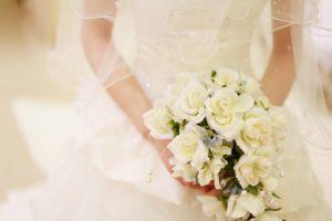 結婚式 ウエディングドレス 花束
