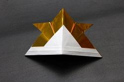 折り紙で作った兜