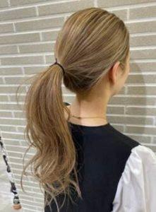 ロング ひとつ結び 髪型
