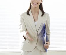 女性 会社員 握手