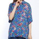 ブルーのアロハシャツ レディース