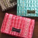 レディースおしゃれな二つ折り財布!人気ブランドをご紹介!