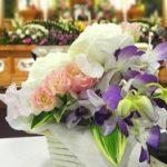 お葬式の髪型【女性】ロングやミディアムの無難なヘアスタイル。