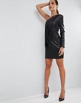 ブラックドレス 40代