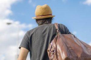 麦わら帽子 旅行バッグ 男性