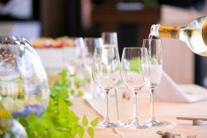 披露宴 テーブル ワイン