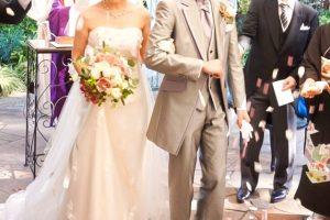 結婚式 新郎新婦 祝福