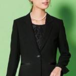 卒業式の女性教員の服装!礼服やパンツスーツの色は?担任は袴?