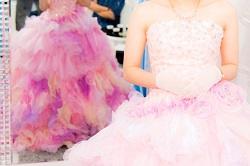 結婚式 ドレス 色