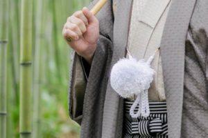 袴を着た男性