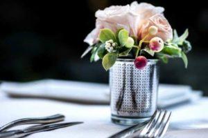 レストラン テーブル 花