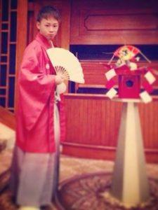 成人式 男性 赤の袴