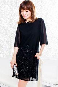 結婚式 披露宴 女性 服装 40代 ブラックドレス