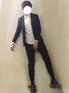 白のシャツ スーツ 男性