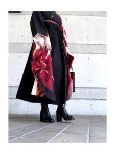 大学卒業式 女子 黒の袴コーデ ブーツ