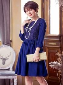 結婚式 披露宴 女性 服装 ブルーのドレス