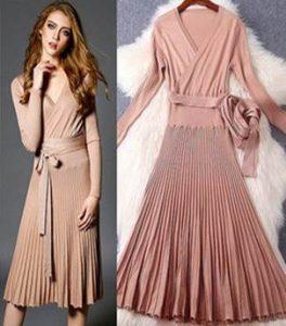結婚式 披露宴 女性 服装 プリーツニットドレス