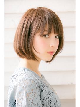 ミディアムボブ 髪型