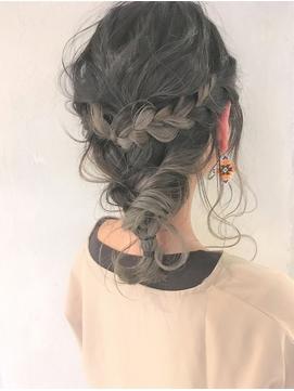 ミディアムハーフアップ 髪型