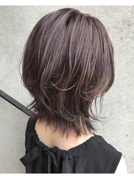 ミディアムウルフヘア 髪型