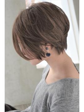 ショートレイヤー 髪型