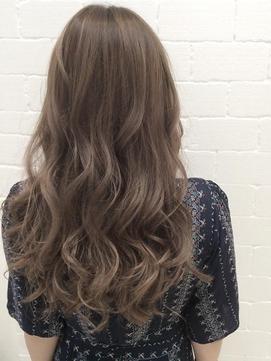毛先カールロングヘア 髪型