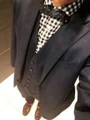 カジュアルスーツ 男性 蝶ネクタイ ベスト