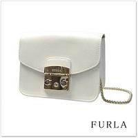 FURLA 白のバッグ
