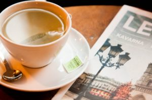 お茶と新聞