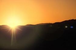 日の出の輝き