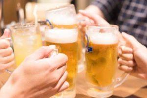ビール 乾杯 飲み会