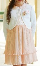 女の子 ピンクのワンピース 入学式