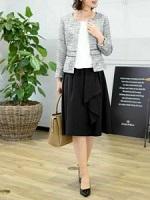 入園式 ママ ノーカラージャケット 黒のスカート