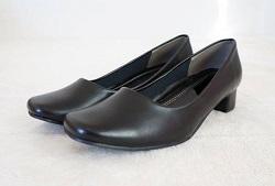 告別式 靴