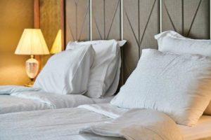 ホテル 部屋 ダブルベッド