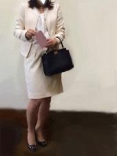 スーツ オフホワイト 入園式 ママ