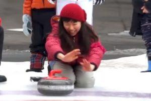 おびひろ氷まつり カーリング体験
