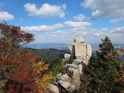 御在所岳 山頂の紅葉と景色