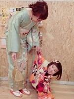 着物姿の母と女の子