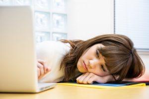 会社 女性 疲労
