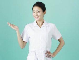 看護師 女性 こちら
